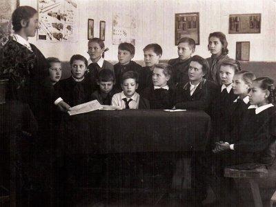 Заседание ученического комитета 1951– 1952 у. год