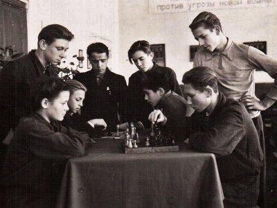 Занятие шахматного кружка 1951-52гг.